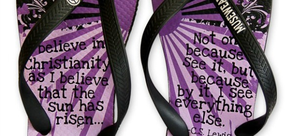 Musewear FlipFlops – Walk with Inspiration