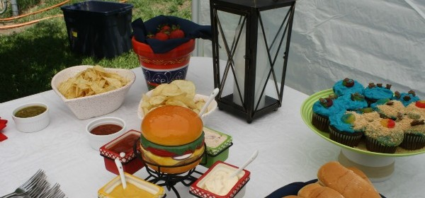 Food and Fun at the Outdoor Oasis Party!