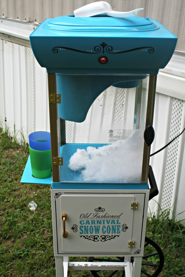 Nostalgia Old Fashioned Snow Cone Cart