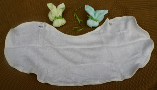 See how BIG the Brooklyn Bamboo Baby Bibs are?!