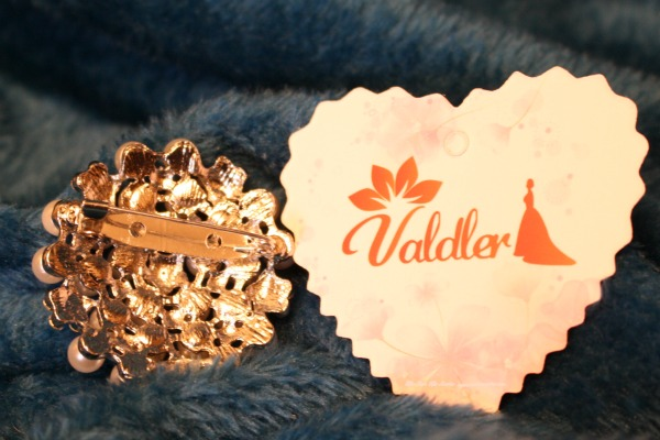 The clasp of this Valdler Brooch is very secure.