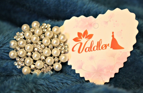 Beautiful Imitation Pearl and Crystal Brooch by Valdler