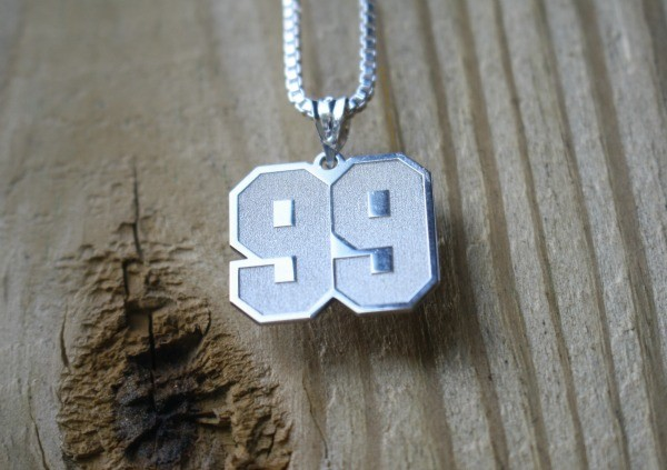 It's only natural to want to give a gift as beautiful as Jersey Numbers from Pictures on Gold