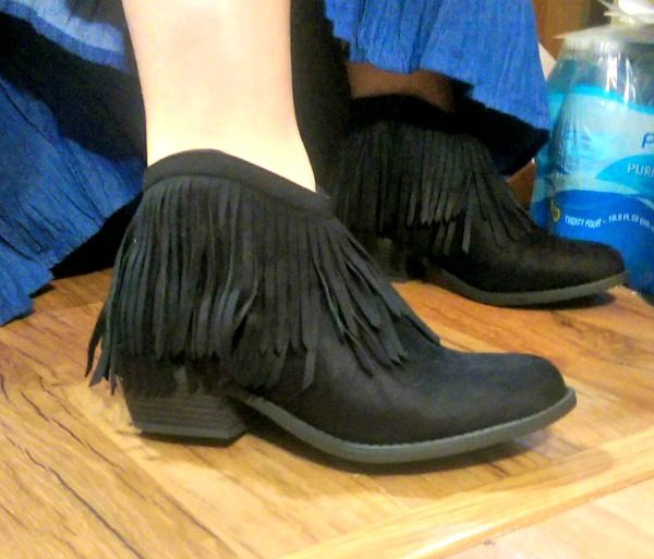 Just look at these great fringed black ankle boots! How can you resist?! I couldn't!