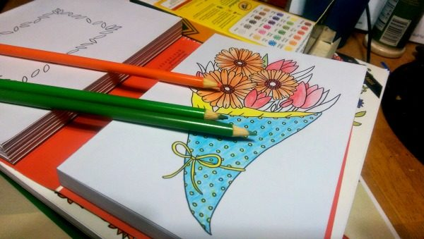 I love coloring these Color-Your-Own Greeting Cards!
