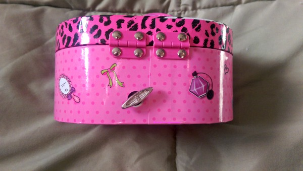 This Musical Jewelry Box makes a great gift for girls!