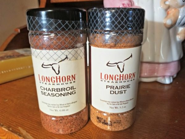 These LongHorn Steakhouse Seasonings can make you a SteakMaster Series winner too - at home!